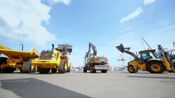 Řada strojů Volvo pro budování