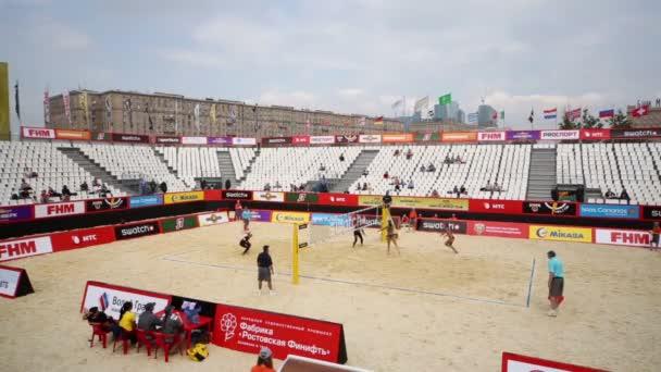 Beach volejbal zápas na hřišti