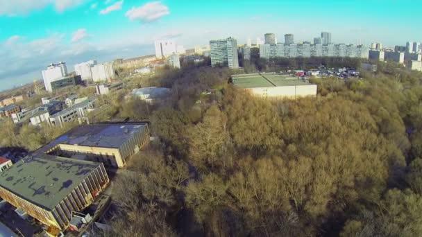 Városképet gazdagító épületnek szánták a lakóházak