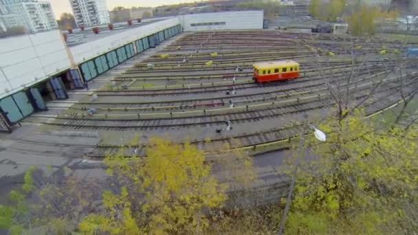 Electric locomotive rides