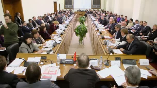 Wahlen am Runden Tisch in Moskau