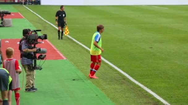 Andrei Arshavin warms up on match