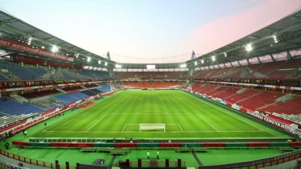 vypnutí světla na stadionu po zápase
