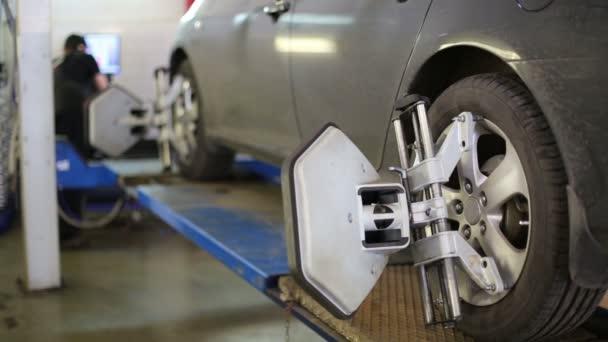 Diagnosis and wheel balancing of car
