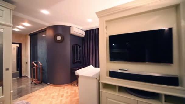 Obývacího pokoje a chodby v bytě