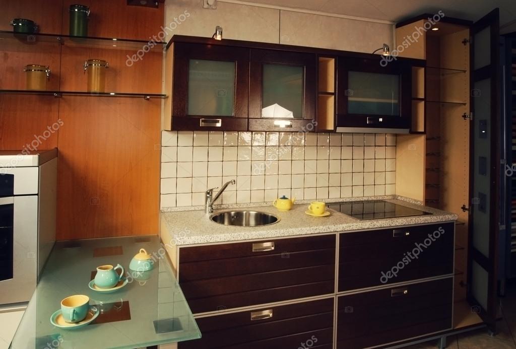 Moderne keuken interieur u2014 stockfoto © anele77 #65352447
