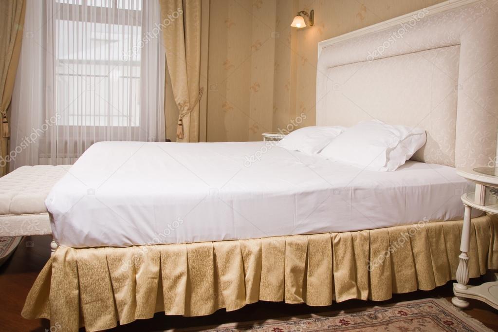 Vintage Stijl Slaapkamer : Interieur van een slaapkamer vintage stijl u stockfoto demian