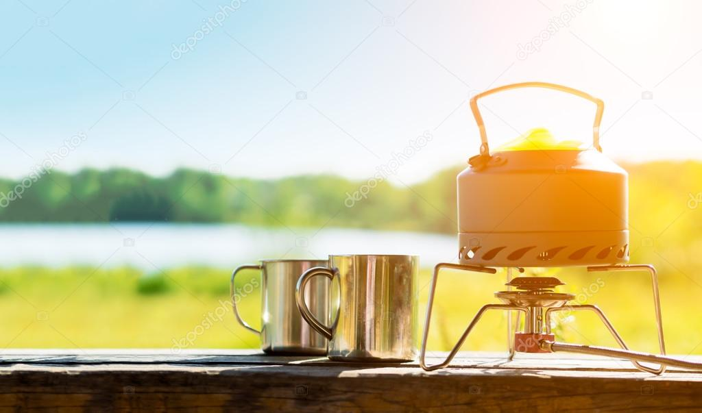 Making coffee or tee on a gas burner