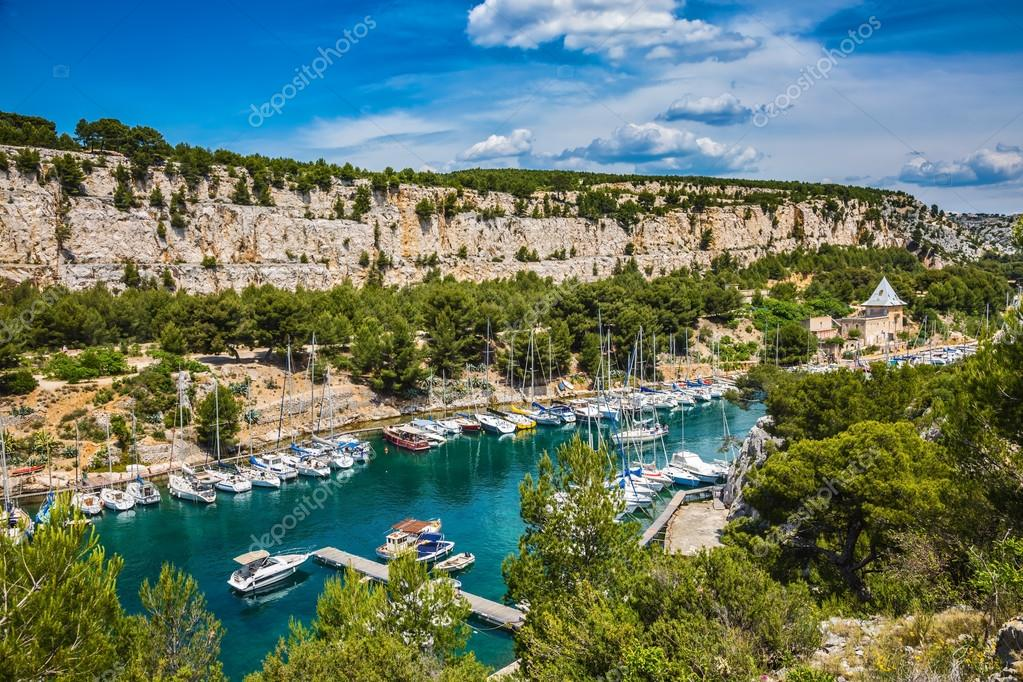 parco nazionale di calanques in provenza foto stock kavramm 119326942. Black Bedroom Furniture Sets. Home Design Ideas
