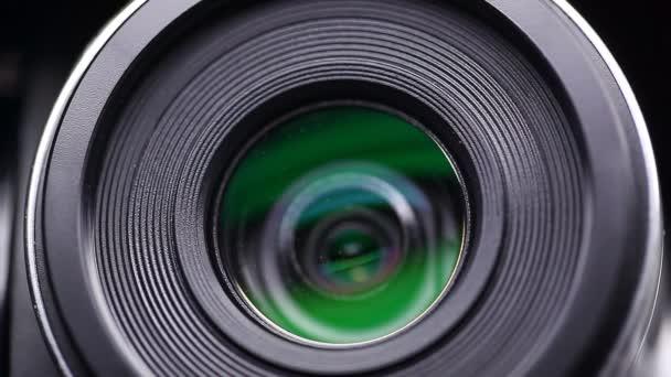 Camera lens zoom