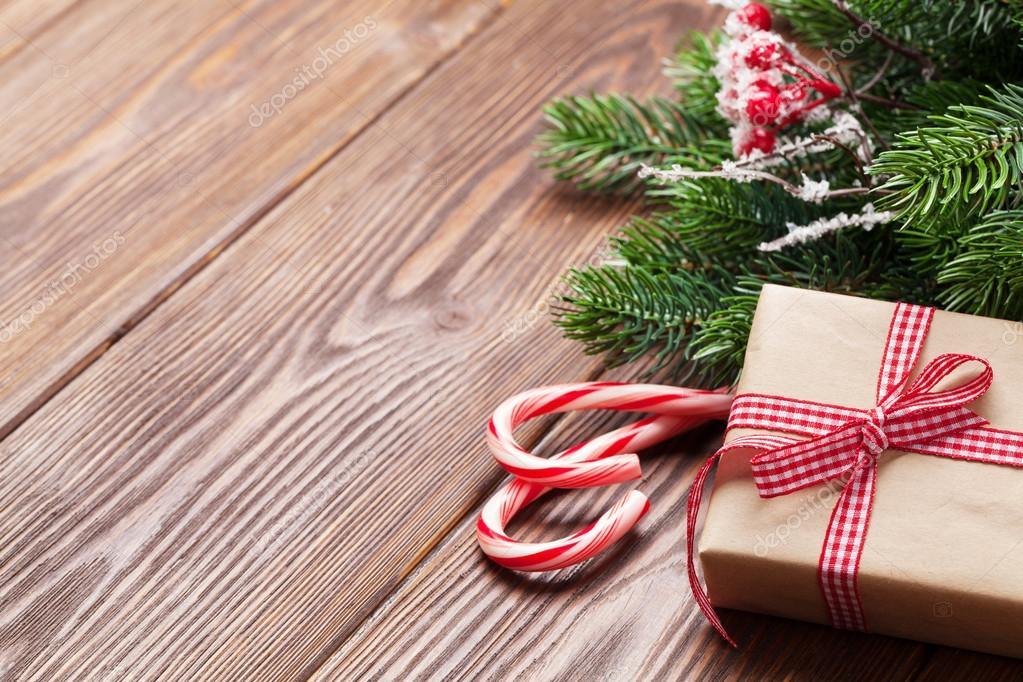 Weihnachtsbaum, Zuckerstange und Geschenk-box — Stockfoto ...