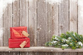 Fotografie Weihnachts-Geschenk-Boxen und Tanne