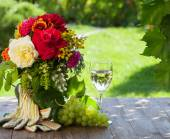 Fényképek kerti virágok és a szőlő