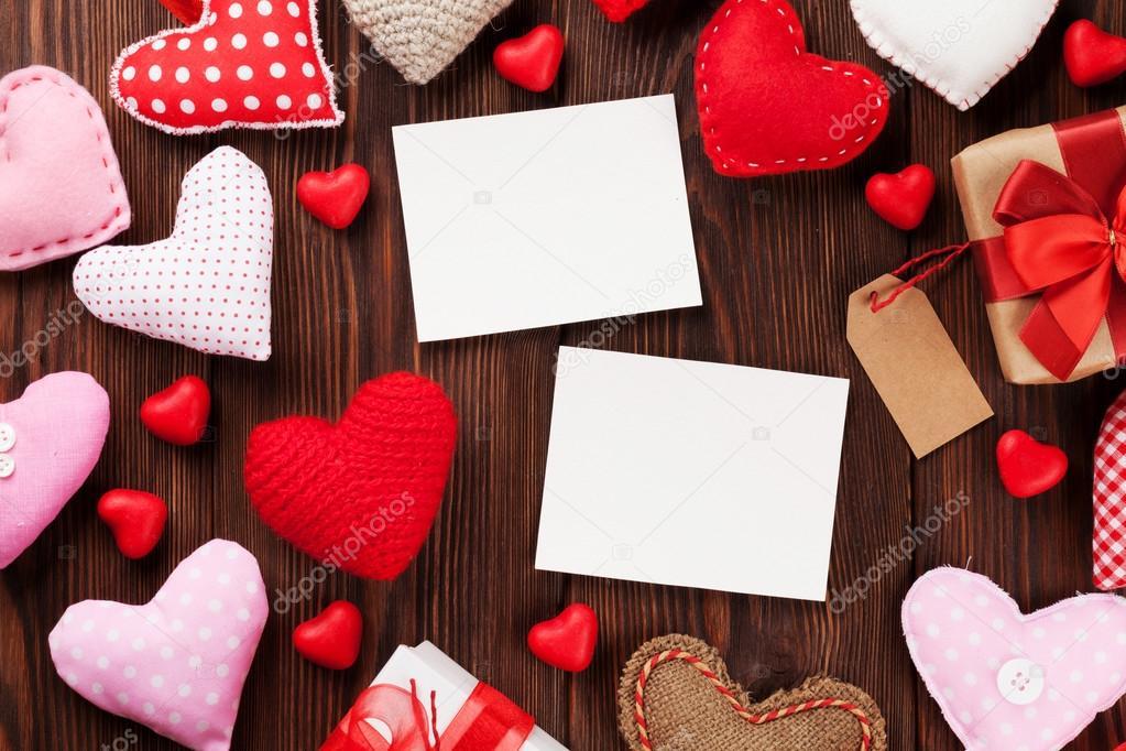 Valentinstag-Bilderrahmen und Herzen — Stockfoto © karandaev #96944506