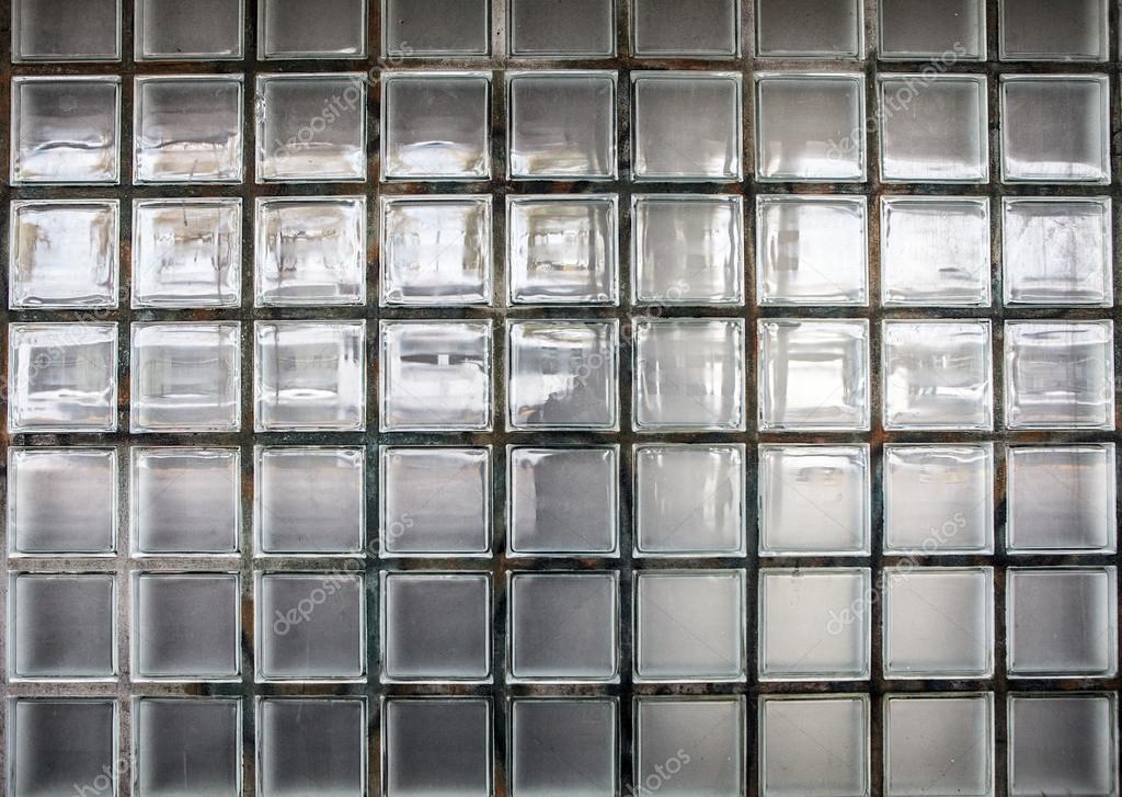 Muur van klassieke glazen blokken als achtergrond — Stockfoto ...