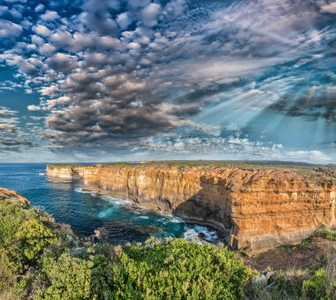 Magnificent coastal view along Razorback viewpoint - Great Ocean