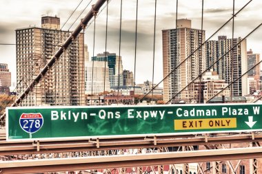 Brooklyn Bridge street signs