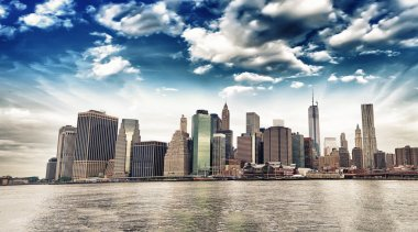 Panoramic view of Lower Manhattan skyline