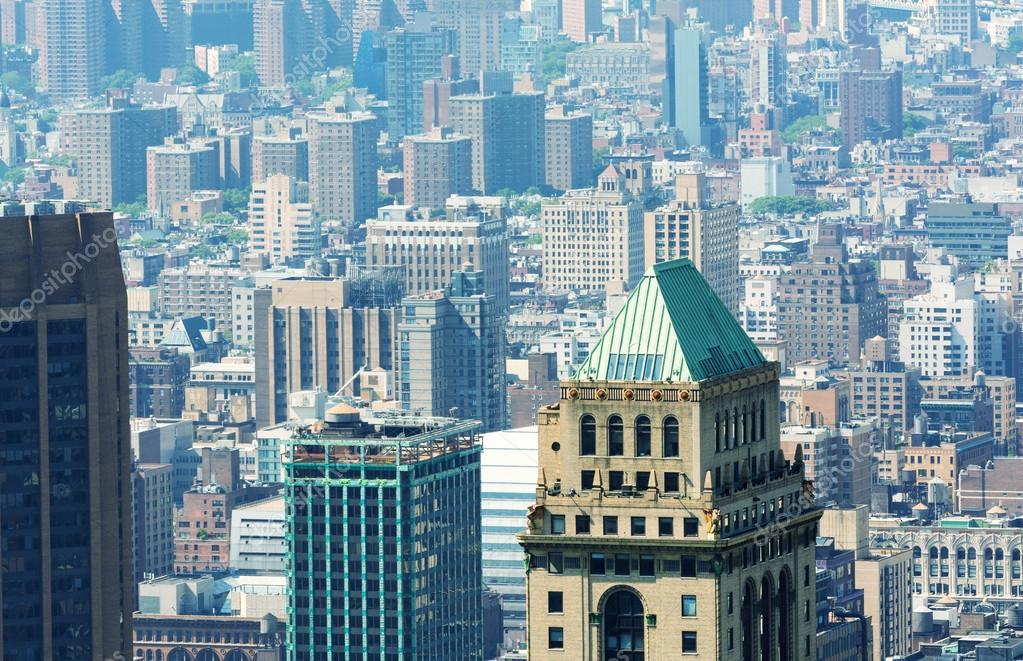 edificios antiguos de nueva york u fotos de stock