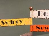 Fotografie cities destination old signs