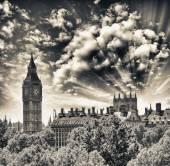 Fotografie západ slunce Houses of Parliament - Londýn