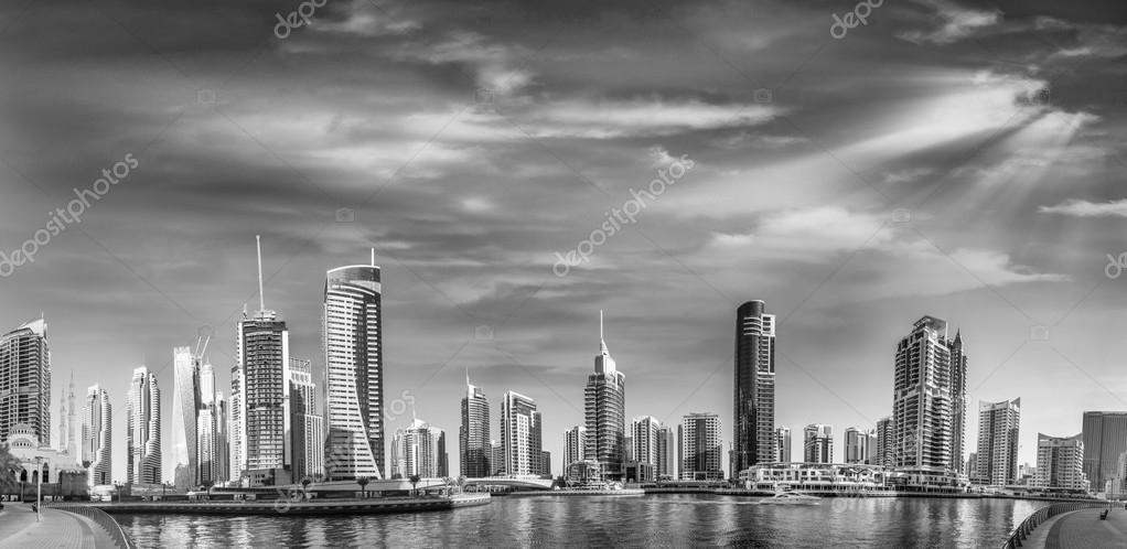 10x5ft UAE Dubai Panorama Skyline Backdrop Emirate Downtown Rooft op View Modern Skyscrapers City Buildings Night Lights Landscape Photography Background Travel Holiday Photo Studio Props