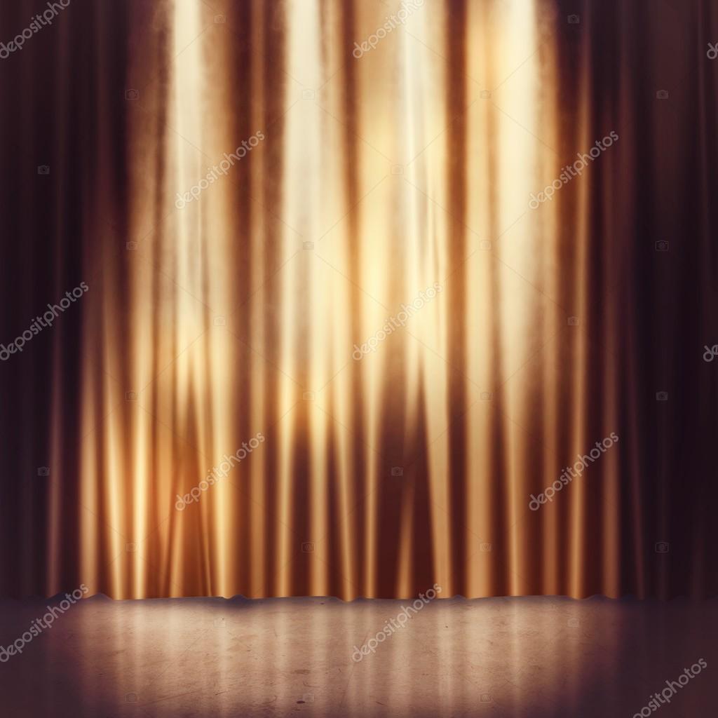 achtergrond van gouden gordijnen van een etappe foto van alphaspirit
