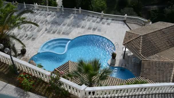 A medence és a jakuzzi: luxury hotel, Korfu, Görögország