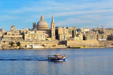 """Картина, постер, плакат, фотообои """"традиционная мальтийская лодка """"лужники"""" для туристических круизов и экскурсий """", артикул 72384331"""