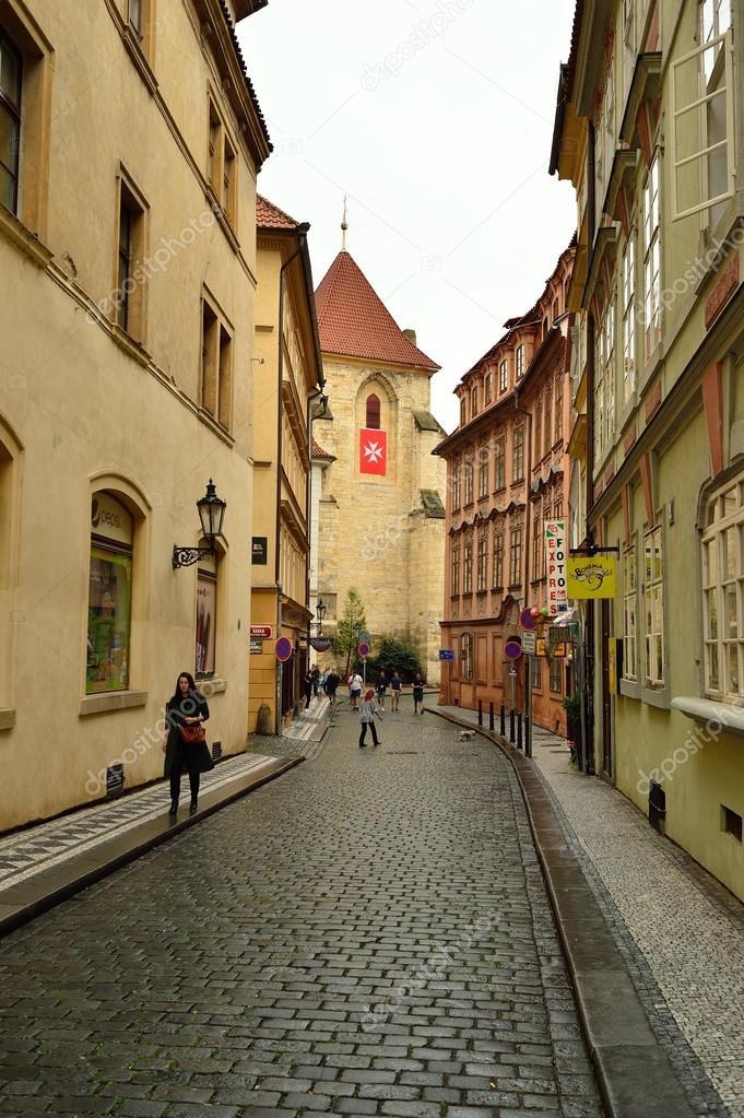 Чешский пикап на улице праги фото 231-424