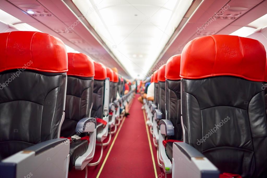 kuala lumpur malaisie 2 mai 2014 intrieur dairasia airbus a320 200 airasia berhad est une compagnie low cost malaisienne dont le sige est prs de
