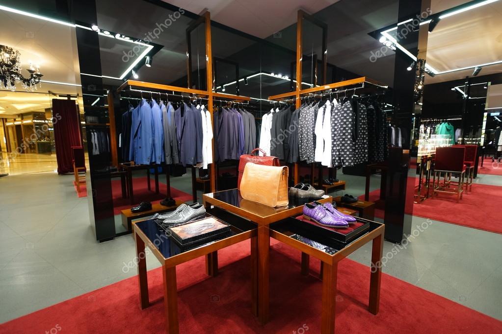 official photos 41cb4 800f6 Dolce & gabbana negozio — Foto Editoriale Stock © teamtime ...