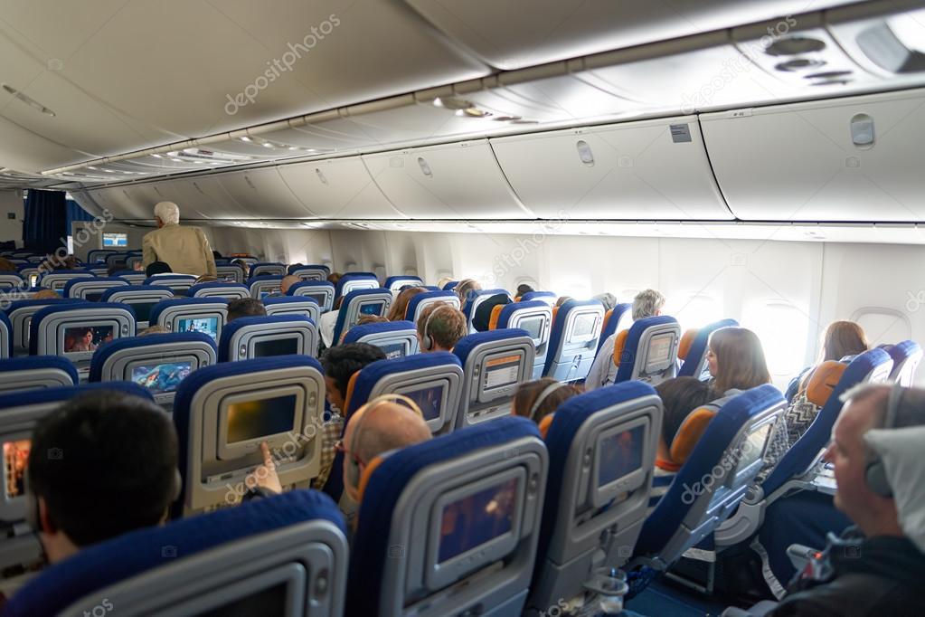 francfort allemagne 13 mars 2016 lintrieur de lufthansa boeing 747 8 deutsche lufthansa ag communment appele lufthansa est une grande compagnie