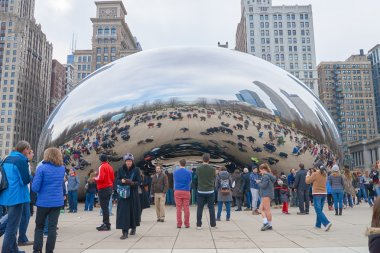 Cloud Gate at daytime
