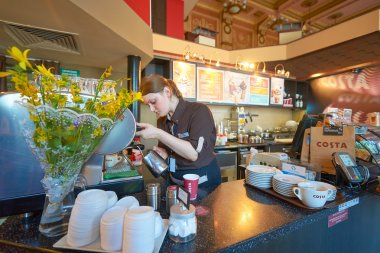 barista in Costa Coffee