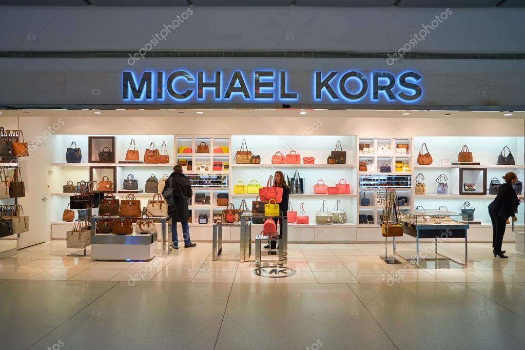 Michael Kors negozio — Foto Editoriale Stock © teamtime  125604298 4a4cd99f8d5