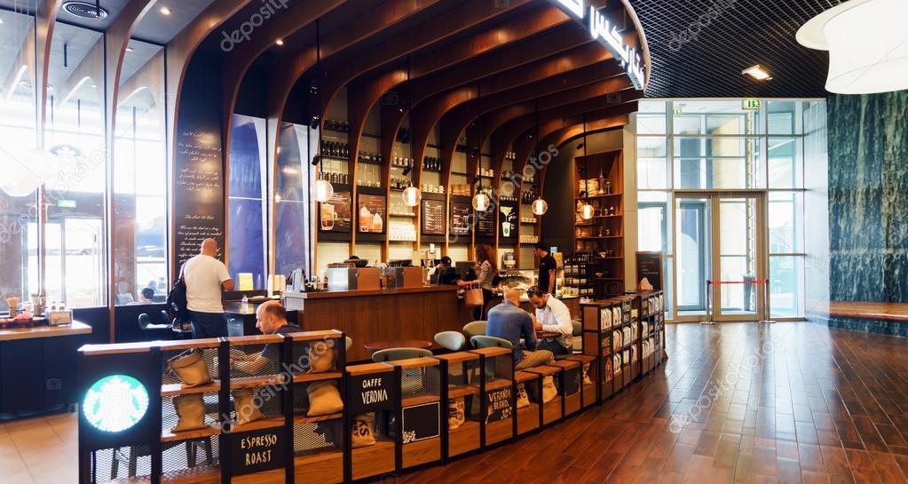 Starbucks Cafe innen — Redaktionelles Stockfoto © teamtime #68698297
