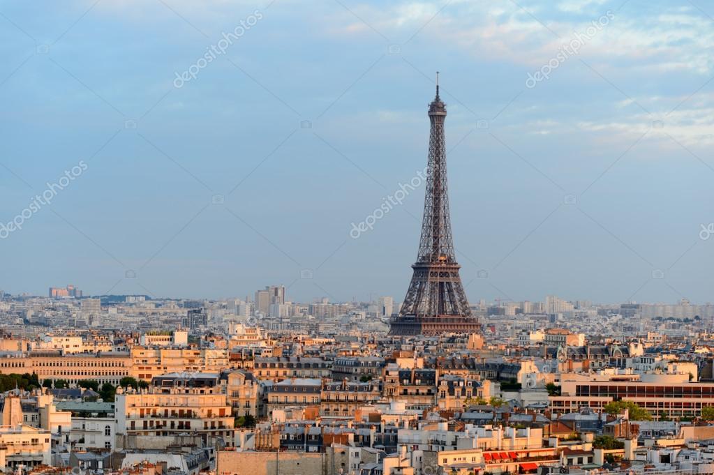 Paris ist bekannt als die Stadt der Liebe