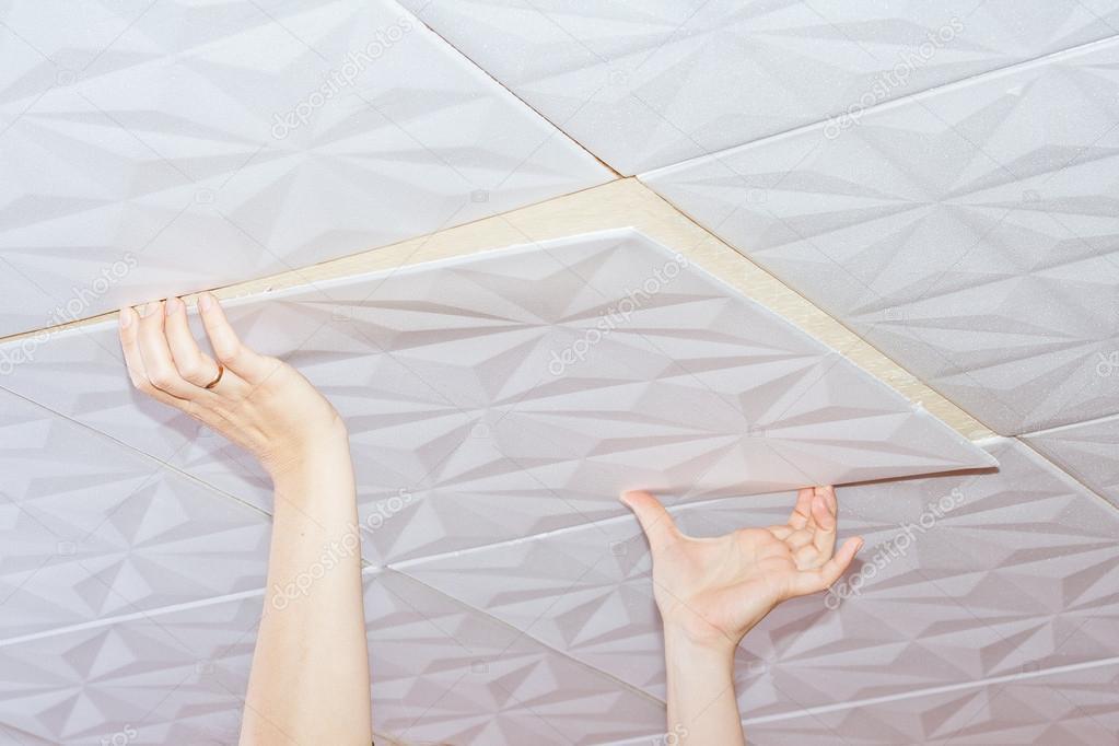 Mattonelle del soffitto del polistirolo u2014 foto stock © ppaauullee