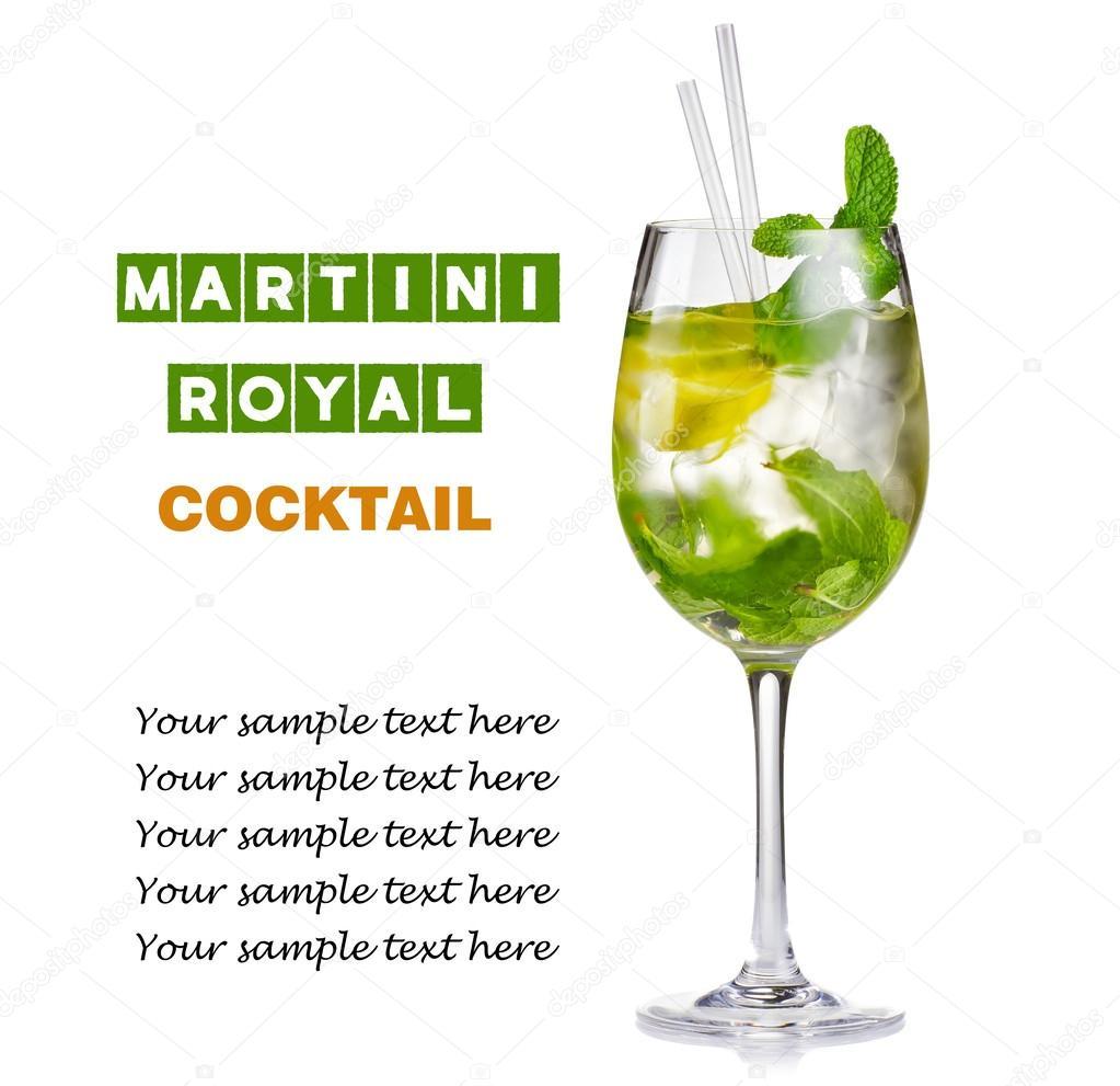 Alkohol Koktajl (Hugo) Z Cytryna I Mięta Na Białym Tle