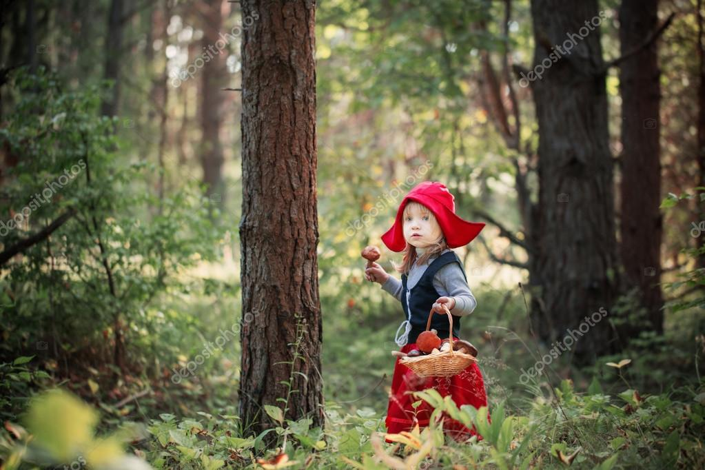 Фото красной шапочки в лесу ебут вдвоем