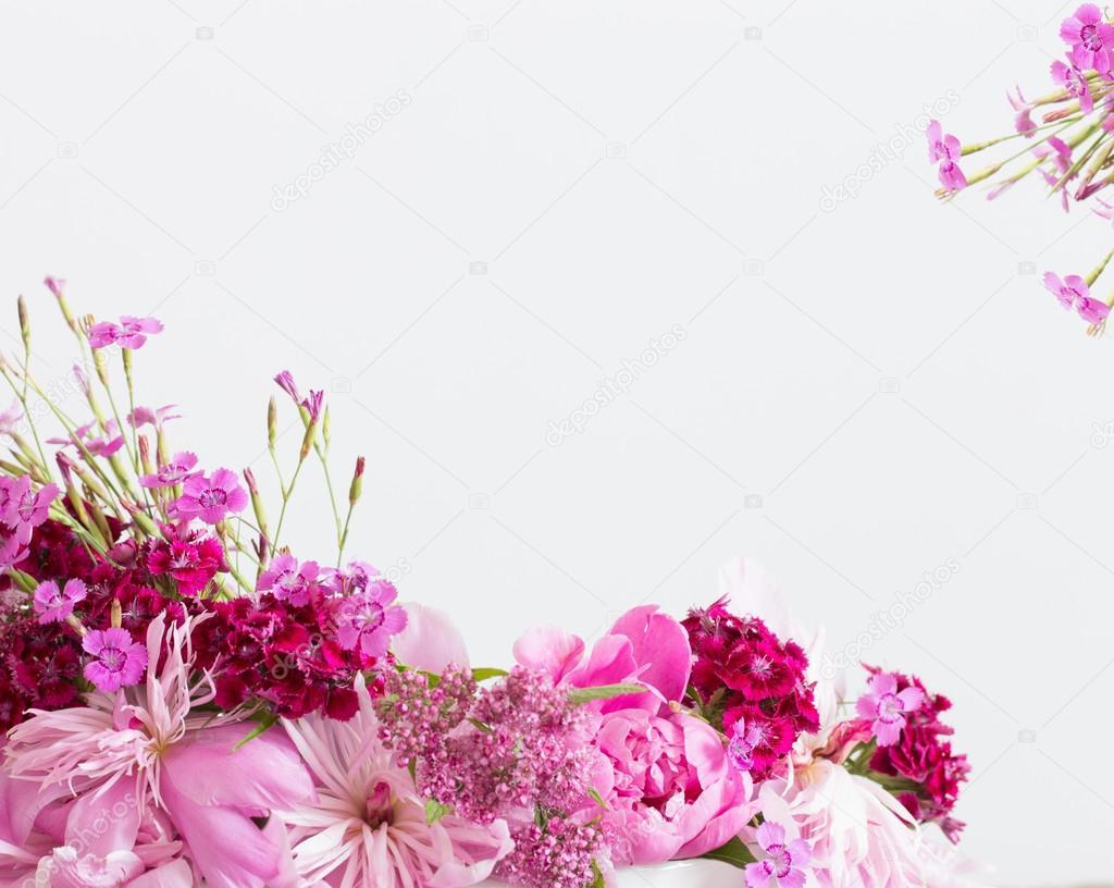 Fondo Flores Sobre Blanco Flores Rosas Sobre Fondo Blanco Foto