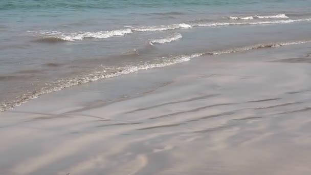 Gyönyörű kék óceánra hullám, Goa, India