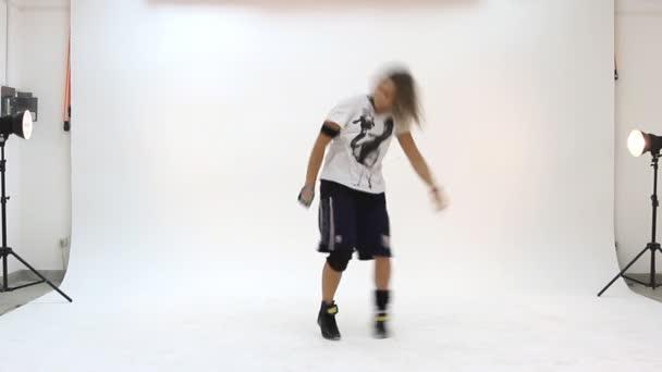 teenager tanec breakdance v akci