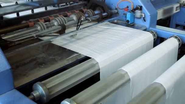 große polymere Bandrolle für eine Druckerpresse