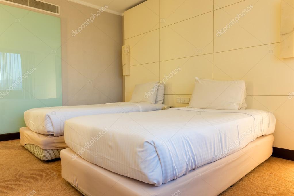 Tweepersoonsbed Lits Jumeaux.Hotel Lits Jumeaux Kamer Stockfoto C Shirotie 100285736