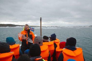 Tour on the glacial lake