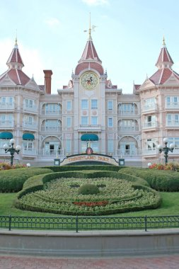 Disneyland Hotel (Paris)