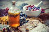 Tinktura láhev, Malty z léčivých bylin a papír receptů