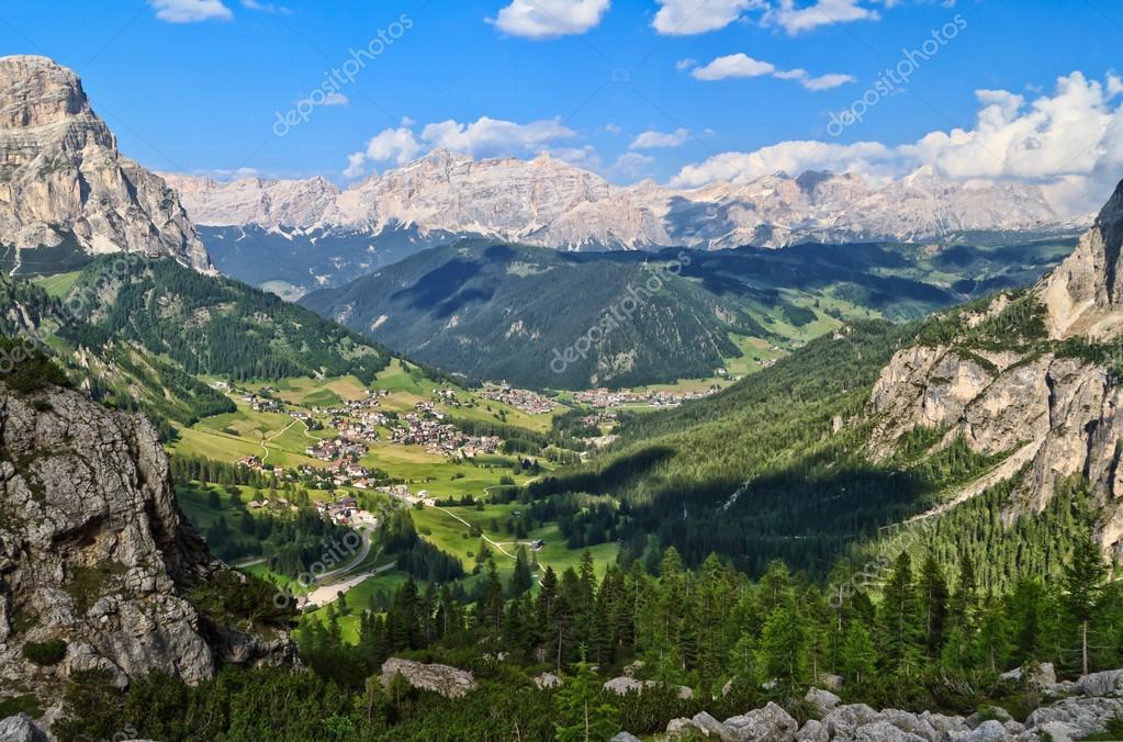 Dolomiti panoramica di val badia foto stock antonio for Piani di coperta ad alta elevazione